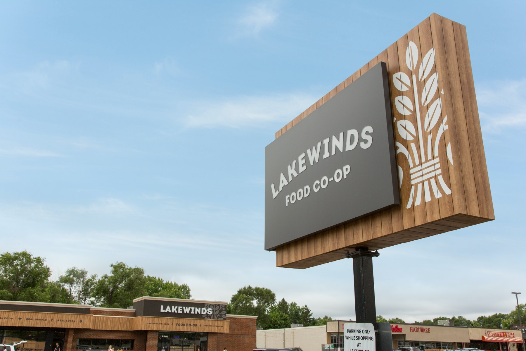 Lakewinds Sign C